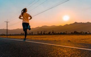 Сравниваем бег утром и вечером: когда и для чего лучше