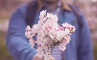 Почему мой парень не дарит мне цветы?