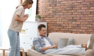Что делать, если жену начал раздражать муж