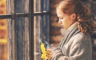 Как проявляется осенняя депрессия и как с ней бороться