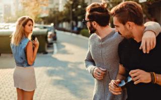 Как заставить мужчину бегать за женщиной