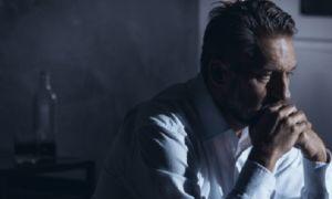Депрессия после принятия алкоголя или отказа от него