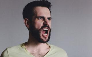 Человек стал агрессивным: почему и что делать
