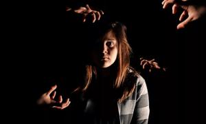 Что такое никтофобия или ахлуофобия и как от нее избавиться