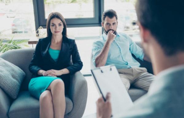 Пара на приеме у психотерапевта