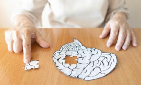 Рисунок мозга из которого вынут кусочек в виде пазла