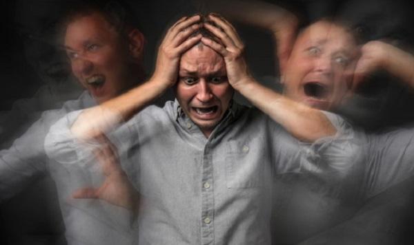 Мужчина в состоянии тревожного расстройства